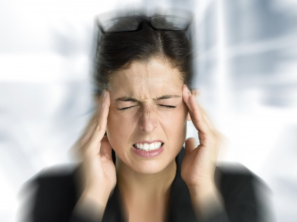 Person suffering from dizziness, who could be helped with vestibular physiotherapy